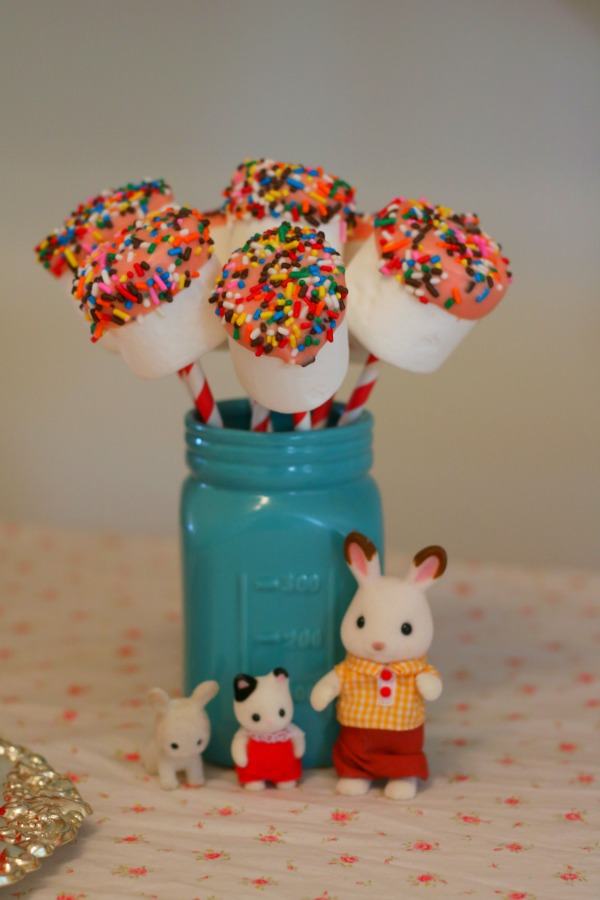 marshmallow pops with bunnies and calico critters